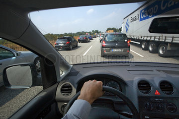 Hamburg  Stau auf der Autobahn