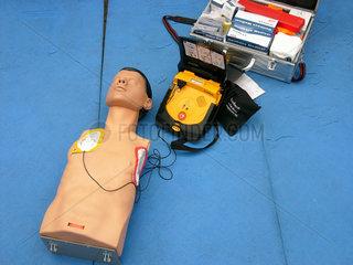 Notfallmedizin  Tragbares AED
