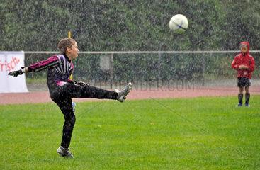 Jugendfussballturnier im Regen