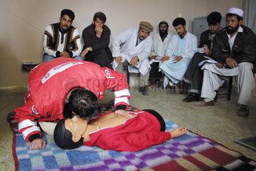 Erste Hilfe Ausbildung der JUH in Kabul.