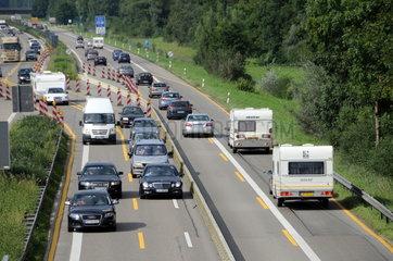 Reiseverkehr in Autobahnbaustelle