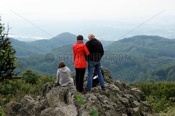 Wanderer auf dem Oelberg im Siebengebirge