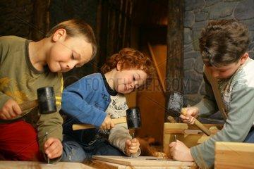 Kinder im Rheinischen Landesmuseum