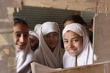 Schulunterricht im Erdbebengebiet Pakistan