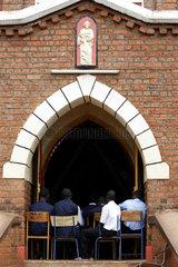 Kenia  katholischer Gottesdienst in einer Kirche der Missionsstation Nyabondo