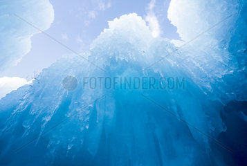 U.S.-WISCONSIN-LAKE GENEVA-ICE CASTLE