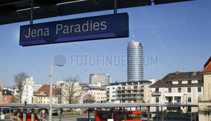 Bahnhof Jena Paradies mit Uni-Hochhaus
