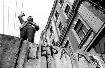 fight for independence 1991 / barricade speech  Riga  Latvia