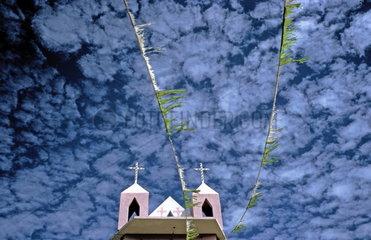 Kapelle mit Glockenturm in der mexikanischen Stadt Tecamachalco