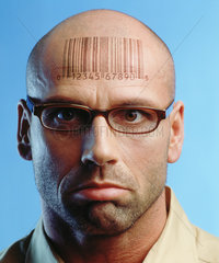 Kopf mit Strichcode