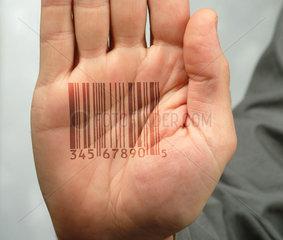 Handflaeche mit Strichcode