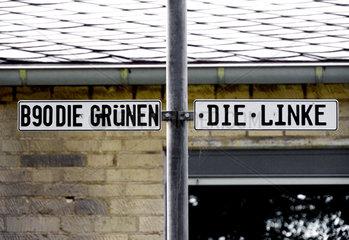 Parkplaetze der Parteien Gruene und Linke am Bonner Rathaus