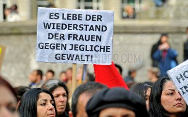Protestmarsch am Weltfrauentag