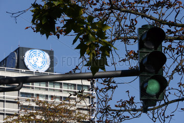 Rote Ampel vor dem UN-Campus in Bonn