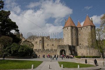 Eingang zur Festung Carcassonne  Frankreich