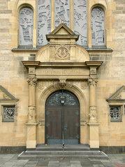 Portal der Lutherkirche in Bonn