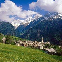 Dorf Soglio  Bergell  Kanton Graubuenden  Schweiz / Village Soglio  Bergell  canton Graubuenden  Switzerland