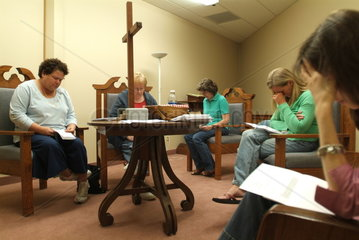 Religion in den USA: Frauen beim Gebet