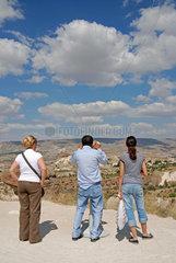 Tuerkische Urlauber in Kappadokien