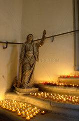 Karfreitag: Judasfigur in der Krypta der Kreuzbergkapelle