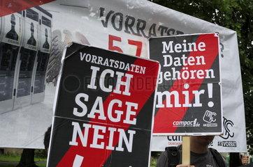 Protestaktion gegen Vorratsdatenspeicherung zur Eroeffnung des NCAZ in Bonn