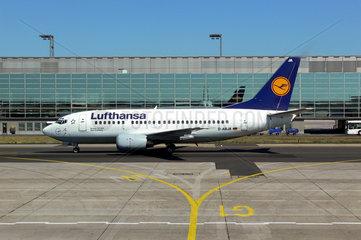 Lufthansa Boing B737 auf dem Frankfurt Flughafen