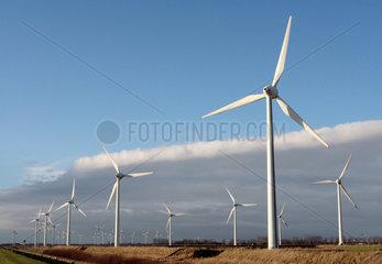 Emden  ein Windpark in Emden