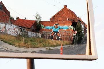 Belgien: Geisterort Doel El Dorado f__r Strassenk__nstler