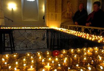 Karfreitag: Krypta der Kreuzbergkapelle