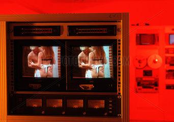 Silwa Filmvertrieb AG  Filmkopierwerk  Sexfilme werden kopiert