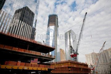 New York City  USA  das im Bau befindliche One World Trade Center am Ground Zero