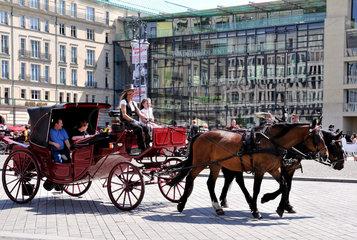 Pferdekutsche am Brandenburger Tor
