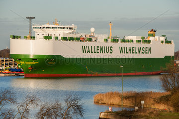 Bremerhaven  Deutschland  der Autotransporter Fidelio liegt im Hafen