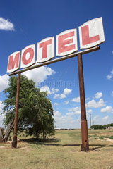 Groom  USA  altes Werbeschild mit der Aufschrift Motel