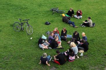 Jugendliche im Park