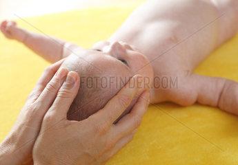 Osteopathie f__r Babys und Kleinkinder