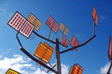 Solarbaum in dem Ulmer Wohnviertel Solar City