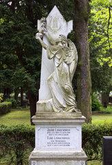 Statue auf dem Friedhof