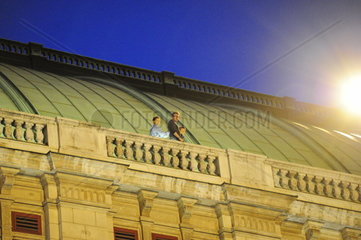 Hollywood filming of Mission Impossible V in Vienna on the opera. Rebecca Ferguson  Christopher McQuarrie und Tom Cruise.