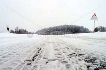 Winterliche Landstrasse