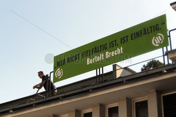 Bert Brecht gegen Rechtsradikale Kundgebung