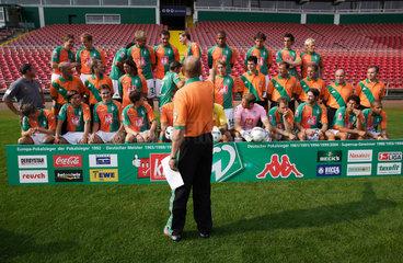 Offizielles Mannschaftsfoto des Fussballbundesliga-Vereins Werder Bremen