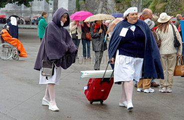 Ordensschwestern in Lourdes