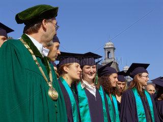 Erste zentrale Absolventenfeier der Universitaet Bonn