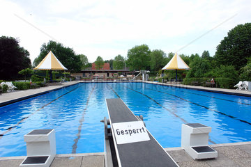 Finanznot bei den Kommunen  Schwimmbad