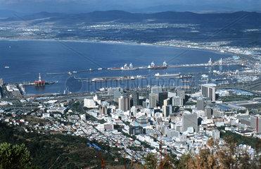 Blick auf die Table Bay vom Tafelberg in Kapstadt