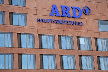 Berlin  Deutschland  Fassade des ARD Hauptstadtstudio