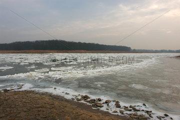 Treibeis auf der Oder