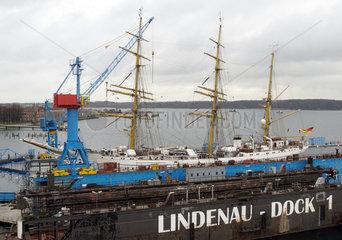 -Gorch Fock- im Trockendock der Lindenau-Werft  Kiel
