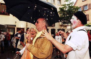 Hanau  ein Clown in Aktion